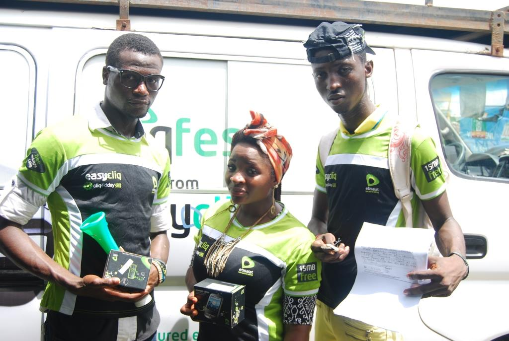 L-R: Winners of gifts, Ajileye Biola, Victoria Likita, and Michael Olalekan Ogunjobi during the presentation of gifts at the 43rd edition of Etisalat Cliqfest, at the Tai Solarin University of Education, Ijebu Ode, Ogun State on Friday, May 9, 2014