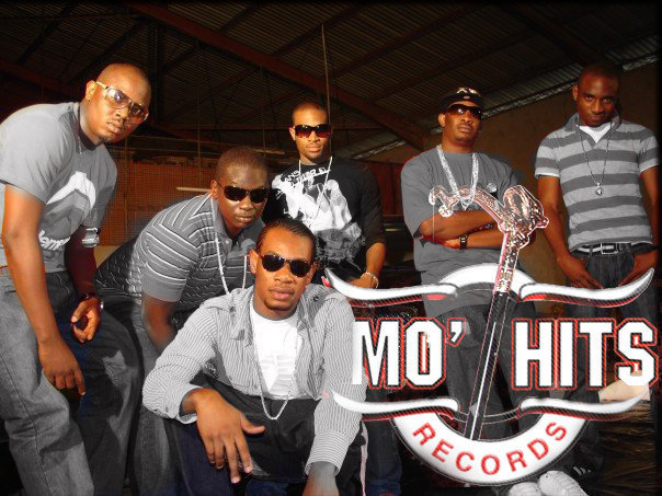 Mo-hits-crew