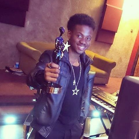 Korede%20with%20is%20award