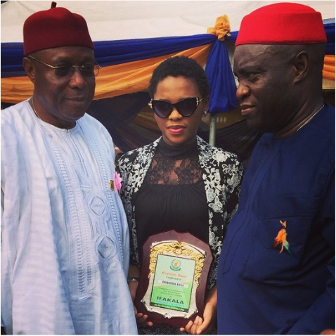 Chidinma-Receives-Award-Of-Recognition-From-Her-Village
