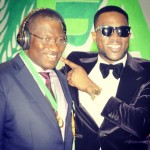 VIDEO: D'Banj Gifts President Goodluck Jonathan with Custom Made Beats by Dre Headphones