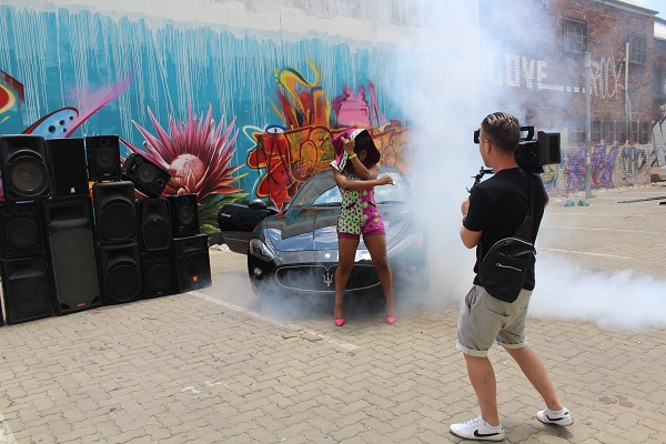 Yemi Alade - Taking Over Me [Video Shoot] (12)