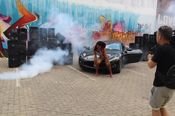 Yemi Alade - Taking Over Me [Video Shoot] (14)