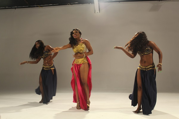 Yemi Alade - Taking Over Me [Video Shoot] (2)