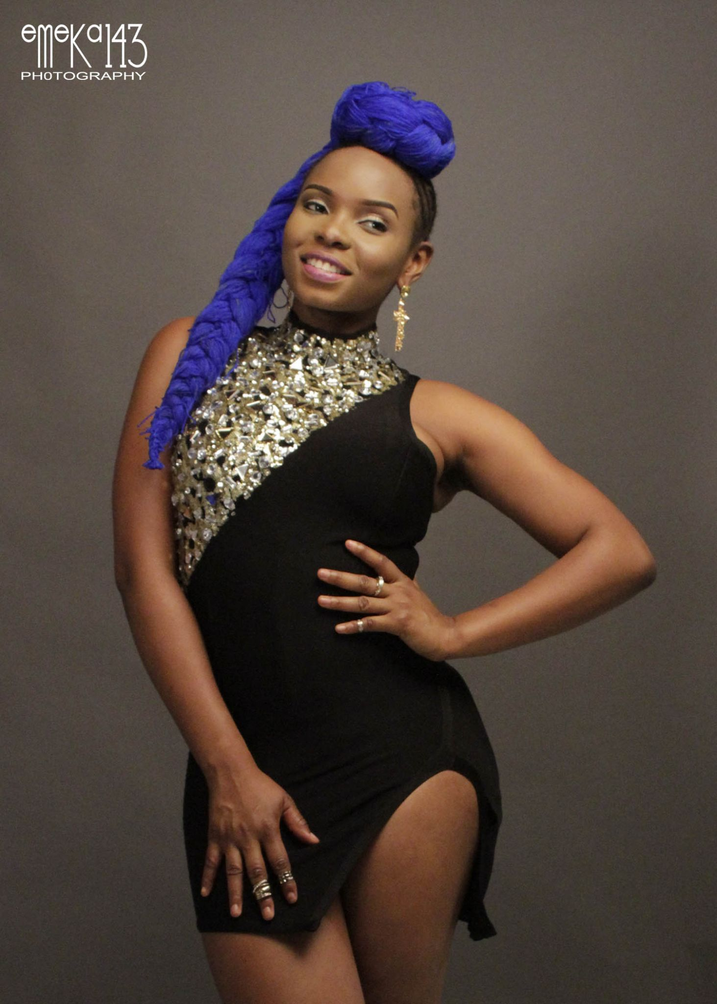 Yemi Alade - Pose B-T-S (1)