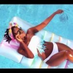 "VIDEO: MzVee – ""Hold Me Now"""