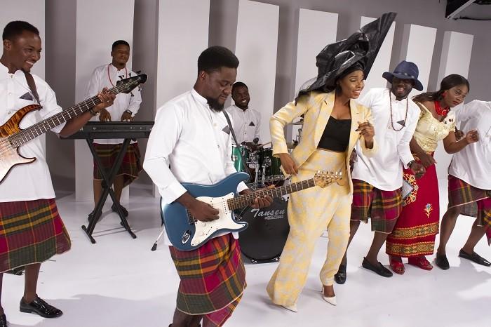 Yemi Alade - Na Gode [B-T-S] (13)