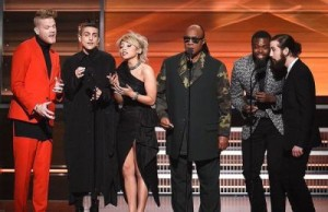 Kelvin-Olusola-and-Stevie-Wonder2