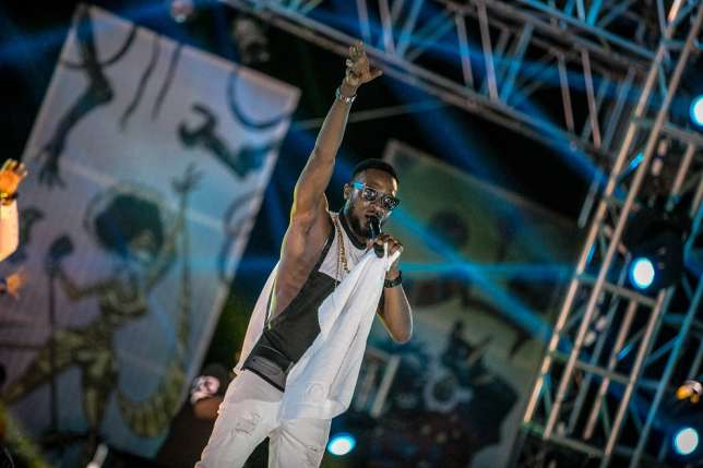 D-banj-on-the-GidiFest-stage
