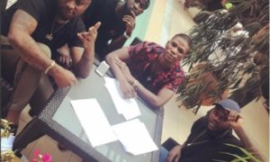 Davido Signs New Artiste To DMW