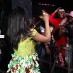 VIDEO: Niniola Grinds On Stage With A Fan + Joe-El Performace @ DJ Kaywise Concert