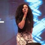 "VIDEO: Aramide Serenades With ""Fun Mi Lowo"" @ Ushbebe's Comedy Event"