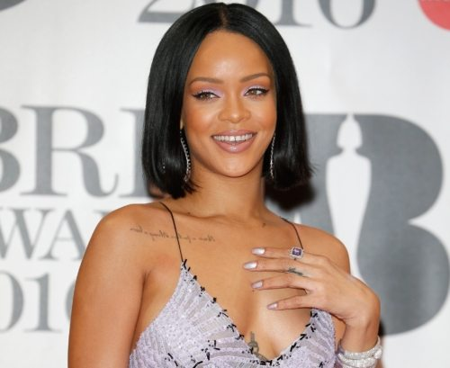 Rihanna Shatters The Internet With Stunning First Selfie Of The Year 1