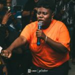 Teni Bursts Into Uncontrollable Tears While Performing On Satage || Watch Video