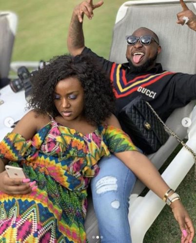 Davido Caught Pants Down While Trying To Kiss Chioma