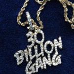 Davido's 30 Billion Gang Chain Now 4,000 Naira In Lagos Traffic || Watch Hilarious Moment Between A Buyer & Seller