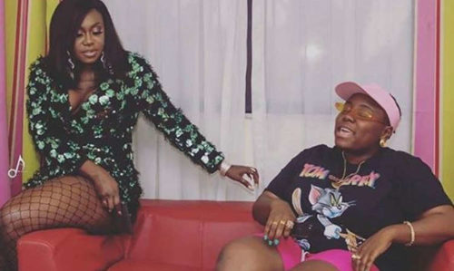 See How Teni & Niniola Forced Their Mother To Declare Herself A Marlian || Watch Video! 1