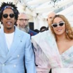 Americans Slam Jay Z & Beyonce For Refusing To Stand During National Anthem At Superbowl