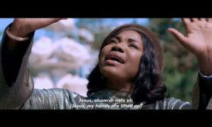 "[Video] Mercy Chinwo - ""Akamdinelu"""