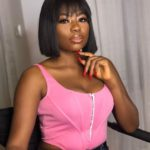 """""""Ya'll Be Looking Like Bugs"""" -Davido's Babymama, Sophie Drags Lagos Girls With Fake B*obs & A$s"""