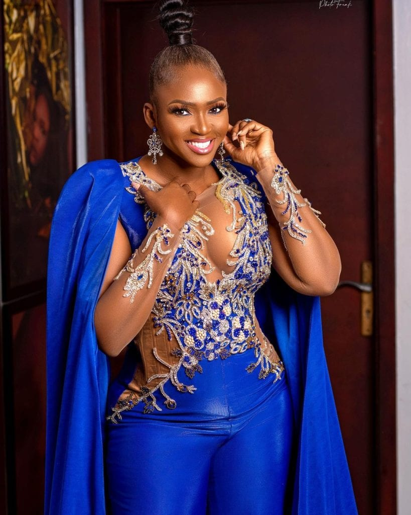Waje Advises Trolls To Use 'Good Grammar' Whenever They Decide To Bully Her #Arewapublisize