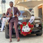 Timi Dakolo Surprises Tobi Bakare's Wife With Flowers and A Performance